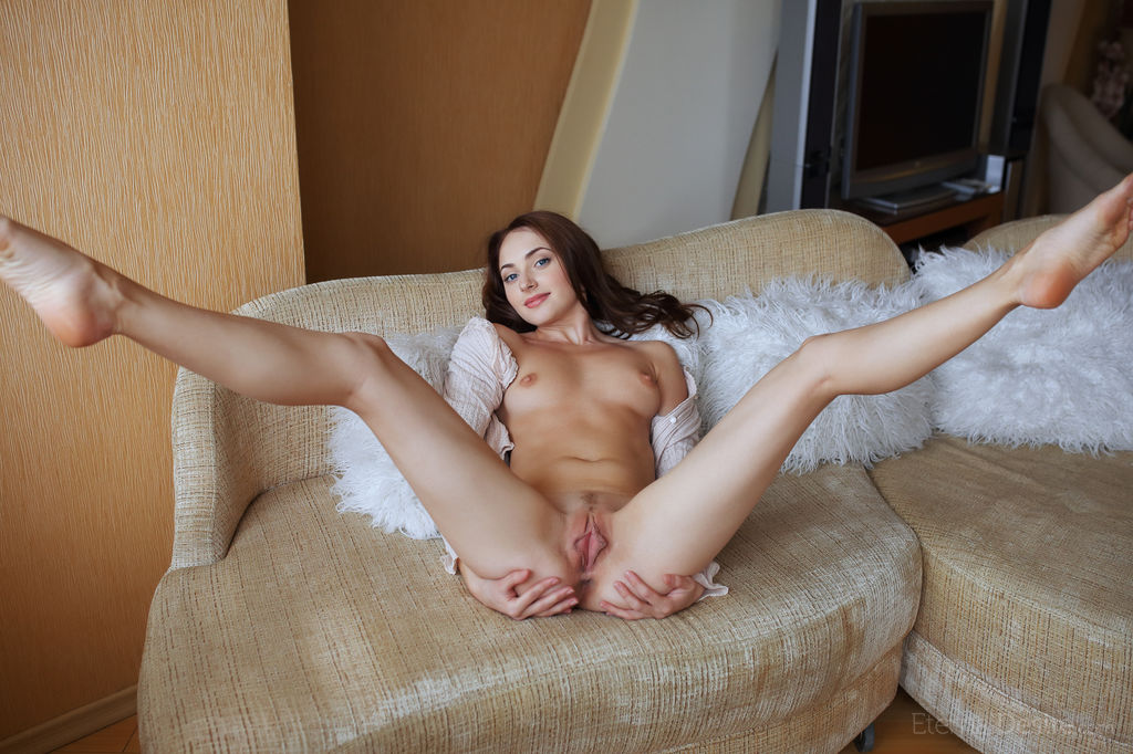 девушка раздвинула ноги порно фото нас найдёте однозначно